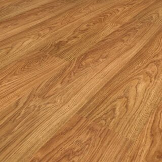 Light Varnished Oak 8mm Laminate